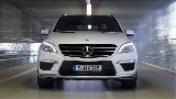 Mercedes-Benz ML 63 AMG running